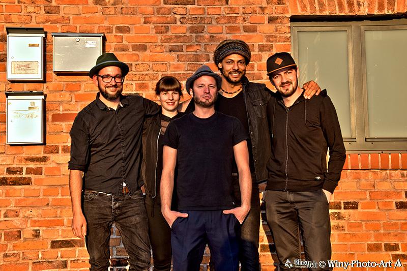 OQmanSolo_Band